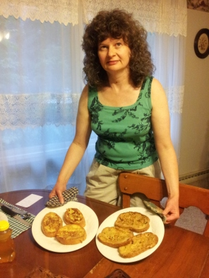 Two culinary experiements: French toast for aristocrats (left) and commoners.